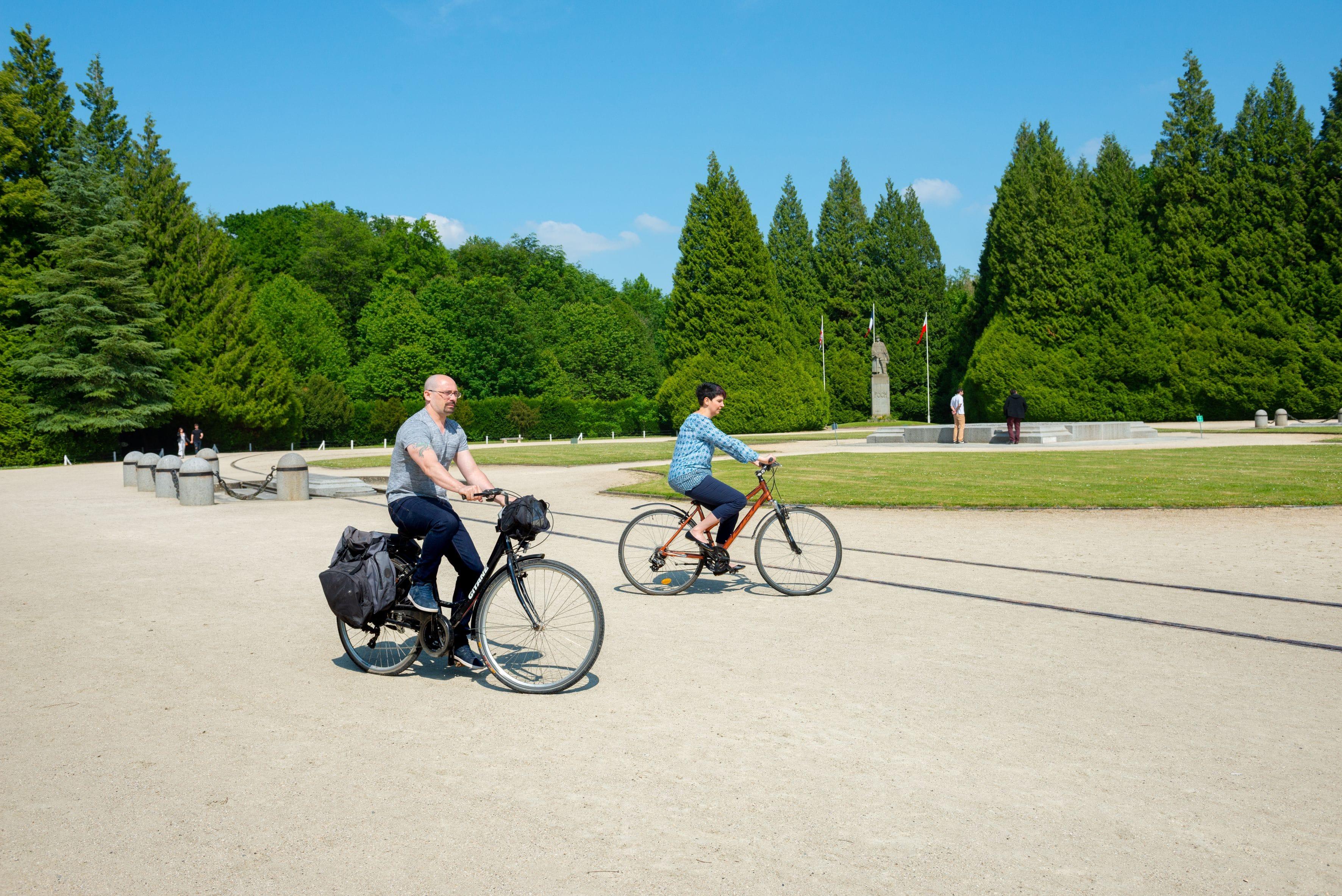 la-clairière-en-vélo